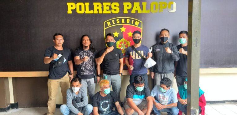 FOTO terduga Kelima Pelaku Penipaun Online saat di Amankan di Mapolres Palopo